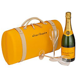 Veuve Clicquot Brut Champagne (750 ml.) With Gift box with 2 matching glasses